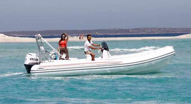 Schlauchbootvermietung auf Ibiza